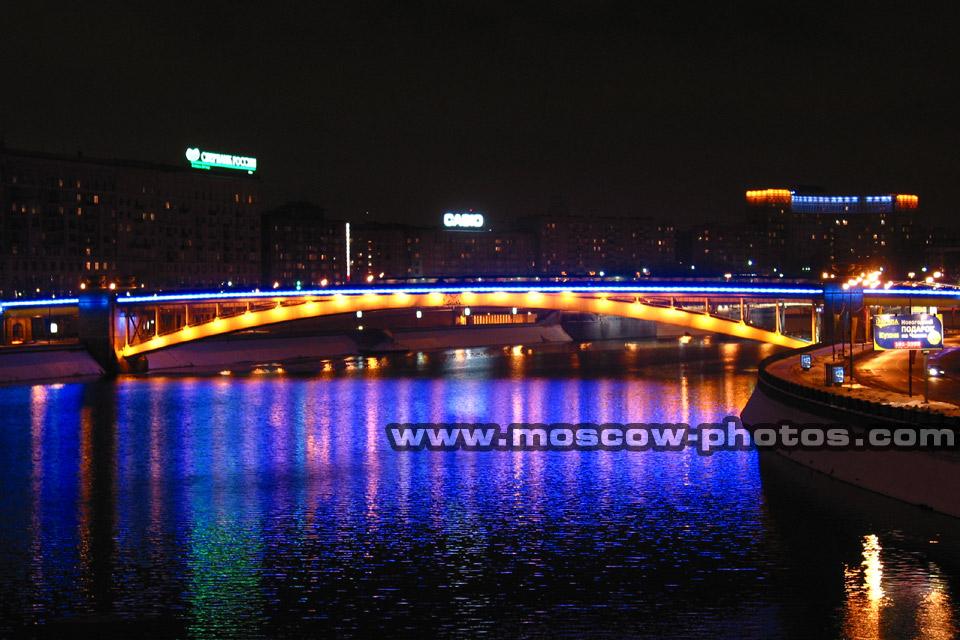 Home > Bridges > Metro Bridge > View 2 (night shot)
